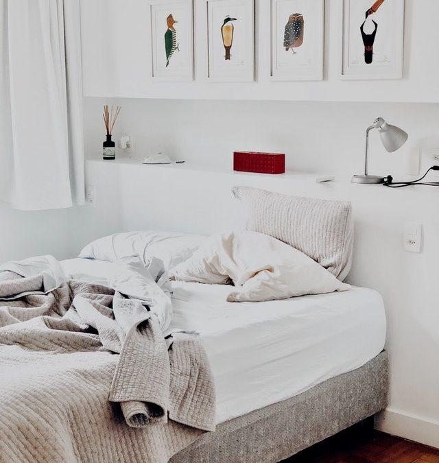 De voor en de nadelen van een gemeubileerde kamer